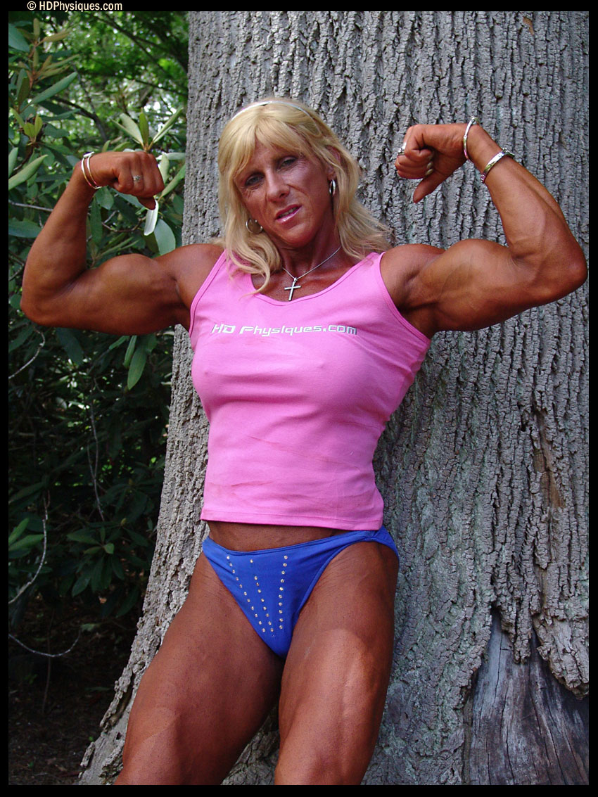 Female Bodybuilding | JuicedMuscle.com